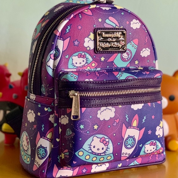 89af73ee5 Hello Kitty Space Mini Backpack. M_5c4cfe79e944ba218cecf31b